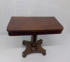 Victorian Mahogany Tea Table €775
