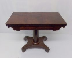 Georgian Mahogany Card Table €975