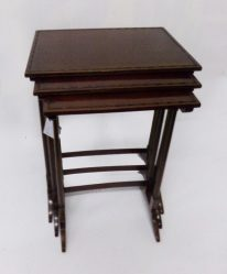 Edwardian Mahogany Nest Of Three TablesEdwardian Mahogany Nest Of Three Tables €595