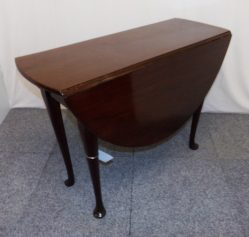 Late Georgian Drop Leaf Table €650